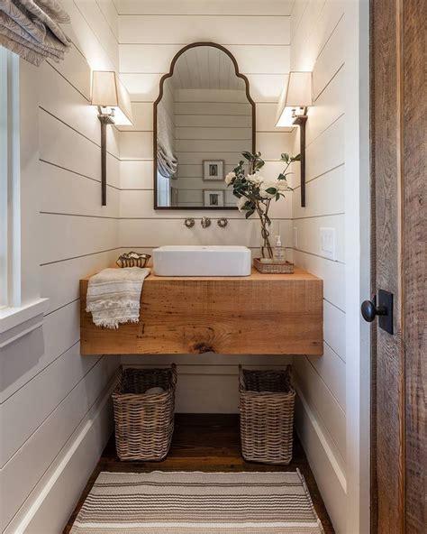 farmhouse chic bathroom best 25 texas homes ideas on pinterest