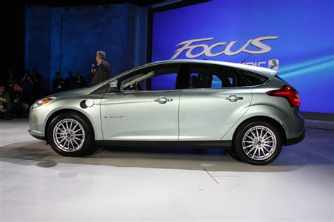 ford  start producing focus electric  europe travel blog