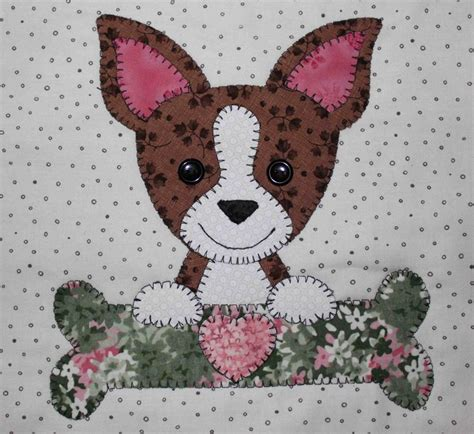Patchwork Animal Patterns - chihuahua applique wall hanging quilt perros