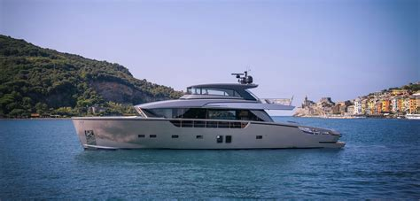 yacht for sale dubai royal yachts dubai yacht rentals and charters yachts