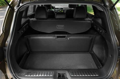 renault kadjar trunk 2015 renault kadjar review autoevolution