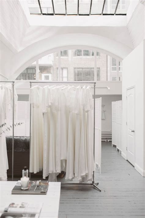 Bridal Boutiques Nyc - the mews bridal boutique launches in nyc decor rooms i