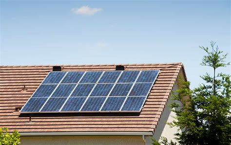 home solar panel installation tips travelers insurance