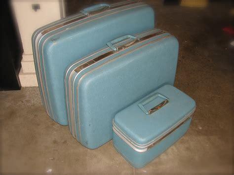 my samsonite silhouette 3 pc set in sky blue vintage