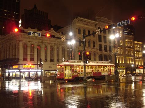 file new orleans streetcar jpg wikimedia commons