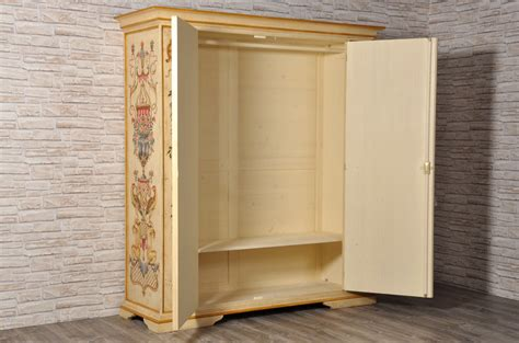 armadi di lusso armadi classici di lusso with armadi classici di lusso