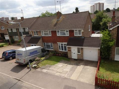 flats for rent in luton 1 bedroom butely road luton 3 bedroom semi detached to rent lu4