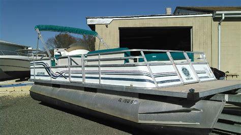 crest pontoons for sale 1996 used crest pontoon boats pontoon boat for sale