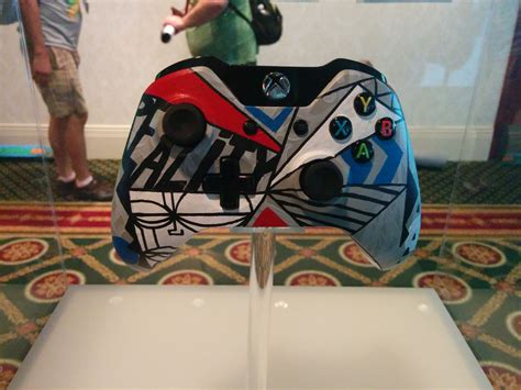 Xbox One Controller Lackieren by Sdcc 14 The Xbox One Wireless Controller Artist