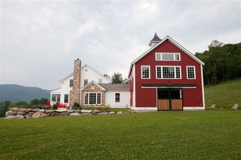 yankee barn homes carriage houses traditional exterior