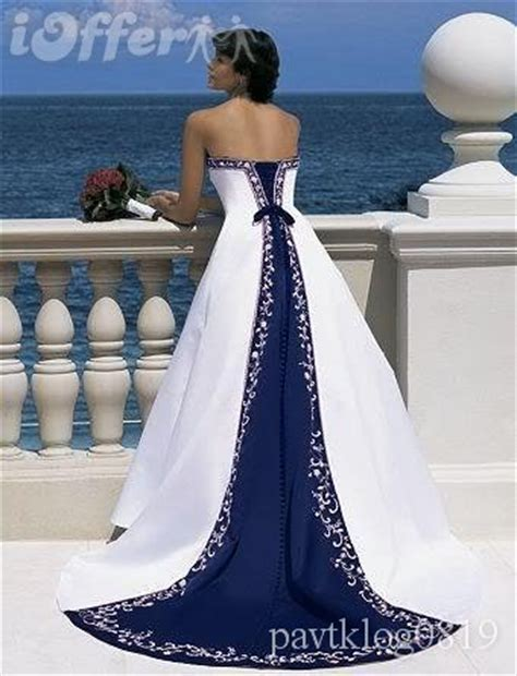 navy blue and white wedding siah style navy blue