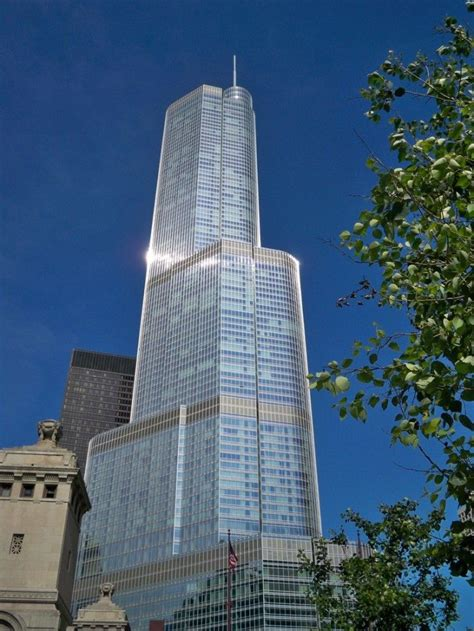 world of architecture tallest towers trump tower chicago 17 best images about trump international hotel and tower