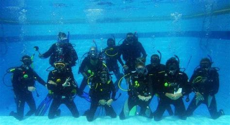 Keep Diving Sepatu Scuba Diving koh tao diving useful tips to get your scuba licence now keep calm and travel