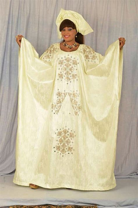 Model Grand Boubou Bazin bazin grand boubou avec strass par newafricandesigns sur