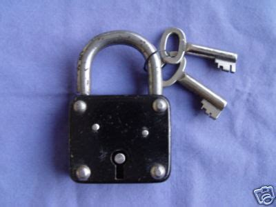 Vorhängeschloss by Antiques Collectibles S Antique Padlocks