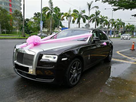 deco wedding car hire redorca malaysia wedding and event car rental rolls royce ghost wedding car rental with pink