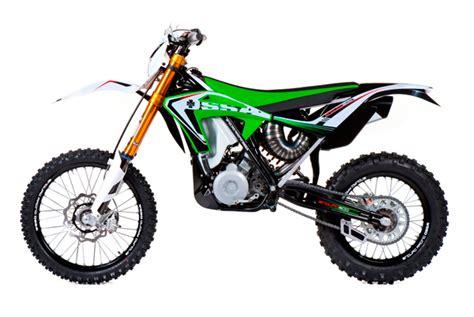 Erstes Motocross Motorrad by Ossa Motorrad Stellt Erste 2 Takt Enduro Mit Einspritzung
