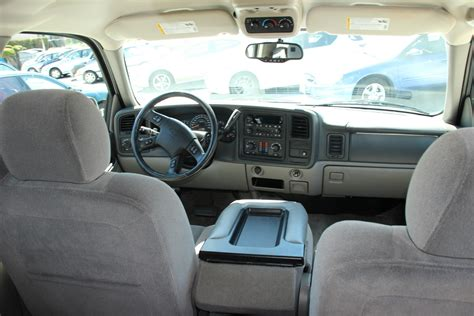 2005 Chevy Tahoe Interior by 2005 Chevrolet Tahoe Pictures Cargurus