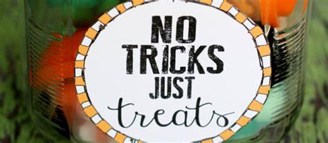 halloween craft      tricks  treats