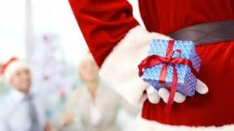 Christmas Gift Ideas For Secret Santa - secret santa gift guide dudeiwantthat com