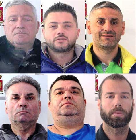impiegato di banca sgominata banda rapinatori tra arrestati impiegato di
