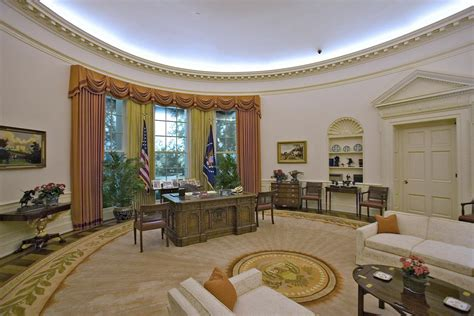 100 trump redecorated oval office cote de texas