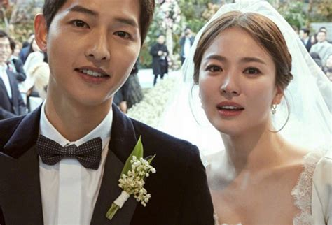 Wedding Song Korea by Reveals Of Song Hye Kyo S Wedding Dress