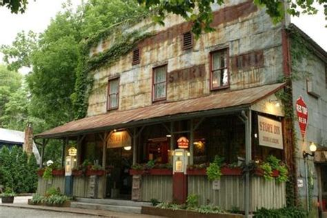 real haunted houses in indiana find haunted houses in nashville indiana the story inn in nashville indiana