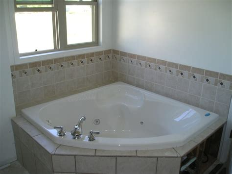Relaxing Bathroom Decorating Ideas - home design bed bath relaxing soaker tub for bathroom