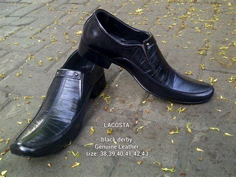 Sepatu Sandal Slip On Kulit Sapi Asli Sendal Tutong Bustong 7 dari kulit sapi bagian luar pull up dan memiliki motif serat kayu dengan sol pilihan