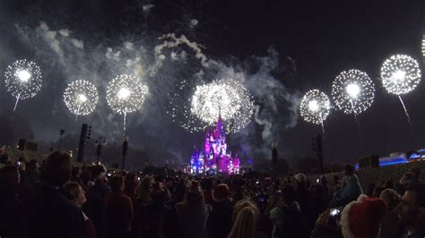 mickeys  merry christmas party holiday wishes fireworks show   magic kingdom youtube