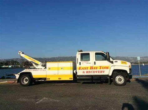 gmc trucks 2006 gmc 6500 crew cab tow truck wrecker 2006 utility