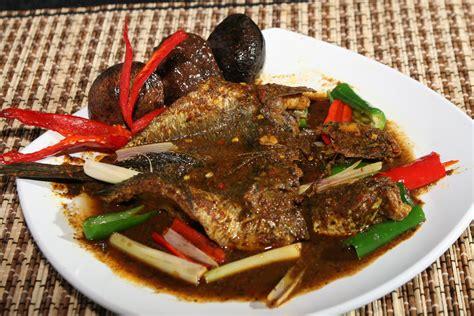 restoran saung serpong