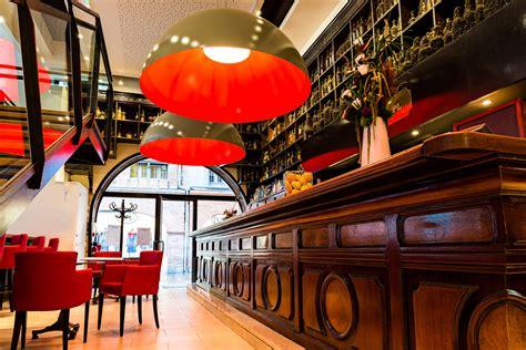 le pere leon hotel  restaurant