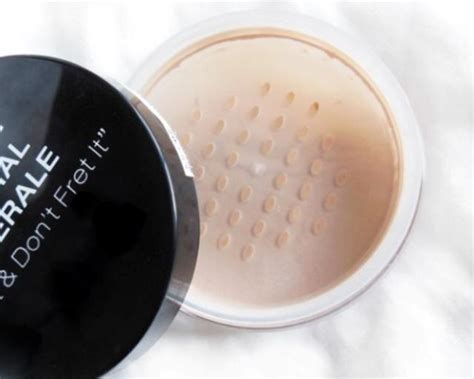 Nyx Mineral Finishing Powder nyx mineral matte finishing powder review