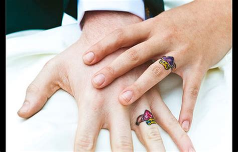 ring finger tattoo for couples 25 slick wedding ring tattoos creativefan