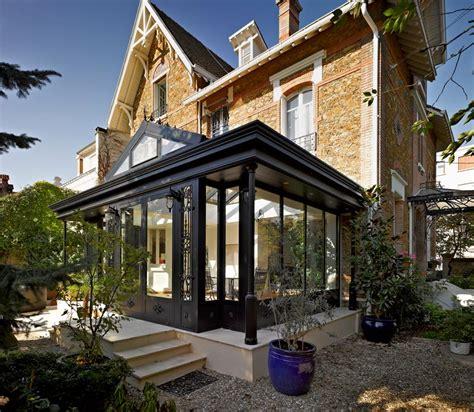 une villa veranda sur  pavillon en meulieres les