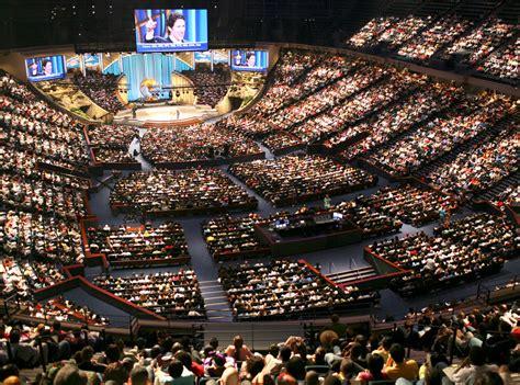 lakewood church service online