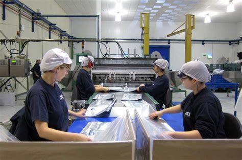 imagenes de trabajadores temporales la ue exige a espa 241 a equiparar la indemnizaci 243 n de