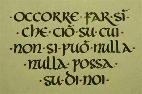 lettere calligrafia scrittura scrittura capitale alfabeto romano e