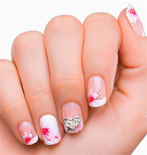 fiore unghie unghie finte cosa sono come usarle guida utile beautydea