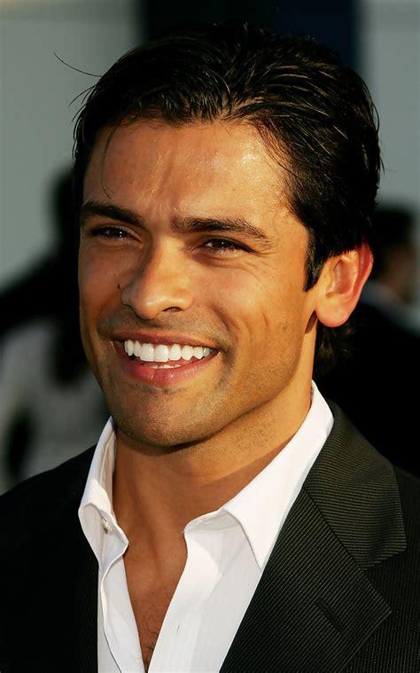 mark consuelos actor pics videos dating news mark consuelos photos zimbio