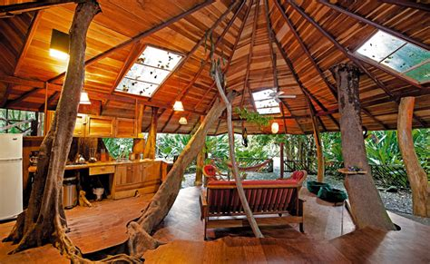 treehouse living the 10 most incredible treehouse hotels on earth m