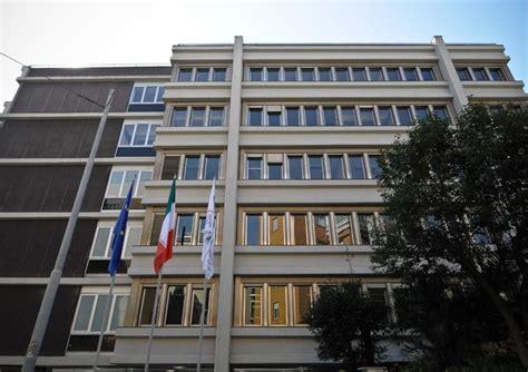 sede ansa roma elezioni agcom a mediaset violato stop sondaggi