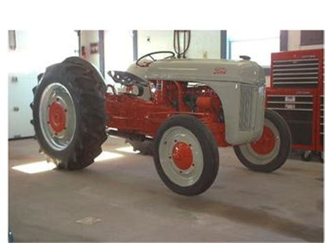 1941 ford 9n antique tractor
