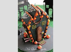 Halloween Gingerbread Witch's House! @ Not Quite Nigella Royal Jelly