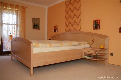 Schlafzimmerschrank Mit Bett by Betten Loferer Gesundes Wohnen Und Schlafen