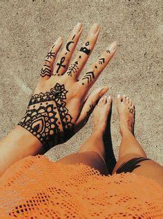 tattoo ideas for exchange students simple henna tattoo on hand pinterest henna mehndi