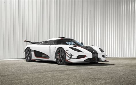 white koenigsegg one 1 2015 koenigsegg one 1 wallpaper hd car wallpapers id 5774