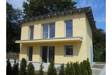terrasse neubau kleingarten einfamilienhaus mit terrasse und pool